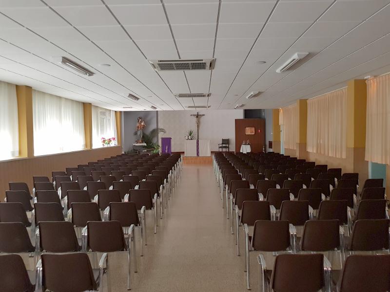 SalesianosGodelleta_Iglesia01